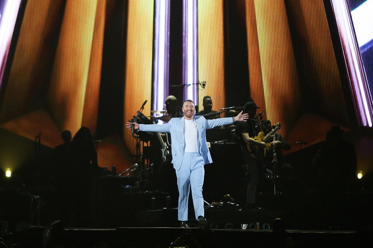 10월 9일, 고척 스카이돔에서 샘 스미스의 첫 내한 공연이 열렸다.
