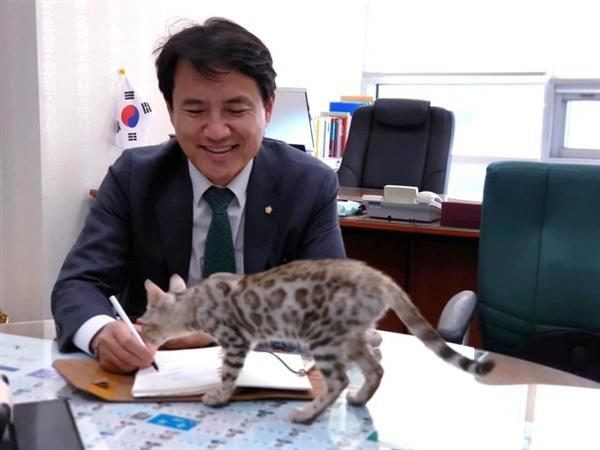 김진태 의원 페이스북에 올라온 사진