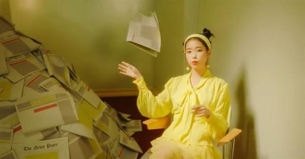 아이유 아이유가 데뷔 10주년을 맞아 디지털 싱글 '삐삐'를 발표했다.