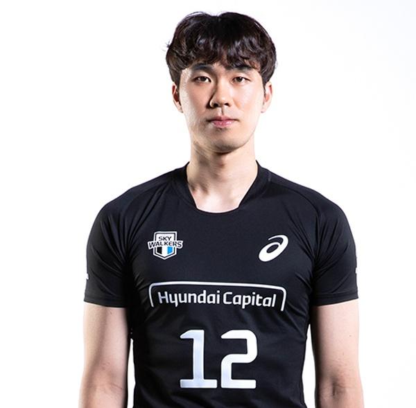 한국전력에서만 5년 동안 활약했던 전광인은 이번 시즌부터 현대캐피탈 유니폼을 입고 코트를 누빌 예정이다.
