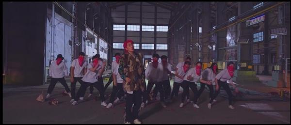 산이 싱글 'Wannabe Rapper' 뮤비 중 일부.