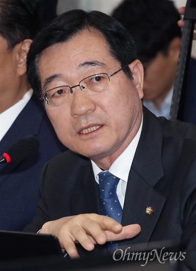 발언하는 민홍철  15일 오전 국회에서 열린 국방위원회 국정감사에서 더불어민주당 민홍철 간사가 발언하고 있다.