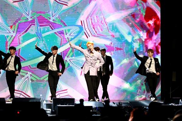김동한 그룹 JBJ 출신 솔로가수 김동한이 두 번째 미니앨범 < D-NIGHT >를 발매했다. 타이틀곡은 '굿나잇 키스'다.
