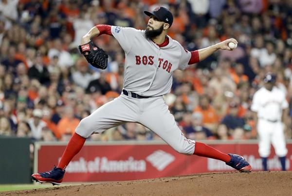미국 프로야구 보스턴?휴스턴 챔피언십 5차전 경기, 보스턴 레드삭스의 선발 투수 데이비드 프라이스의 모습.