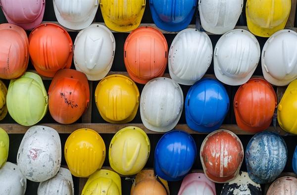 건설노동자들이 수십 년을 일해도 법에서 정하고 있는 퇴직금을 받지 못한다는 사실을 아는 사람은 드물다. 왜냐면...
