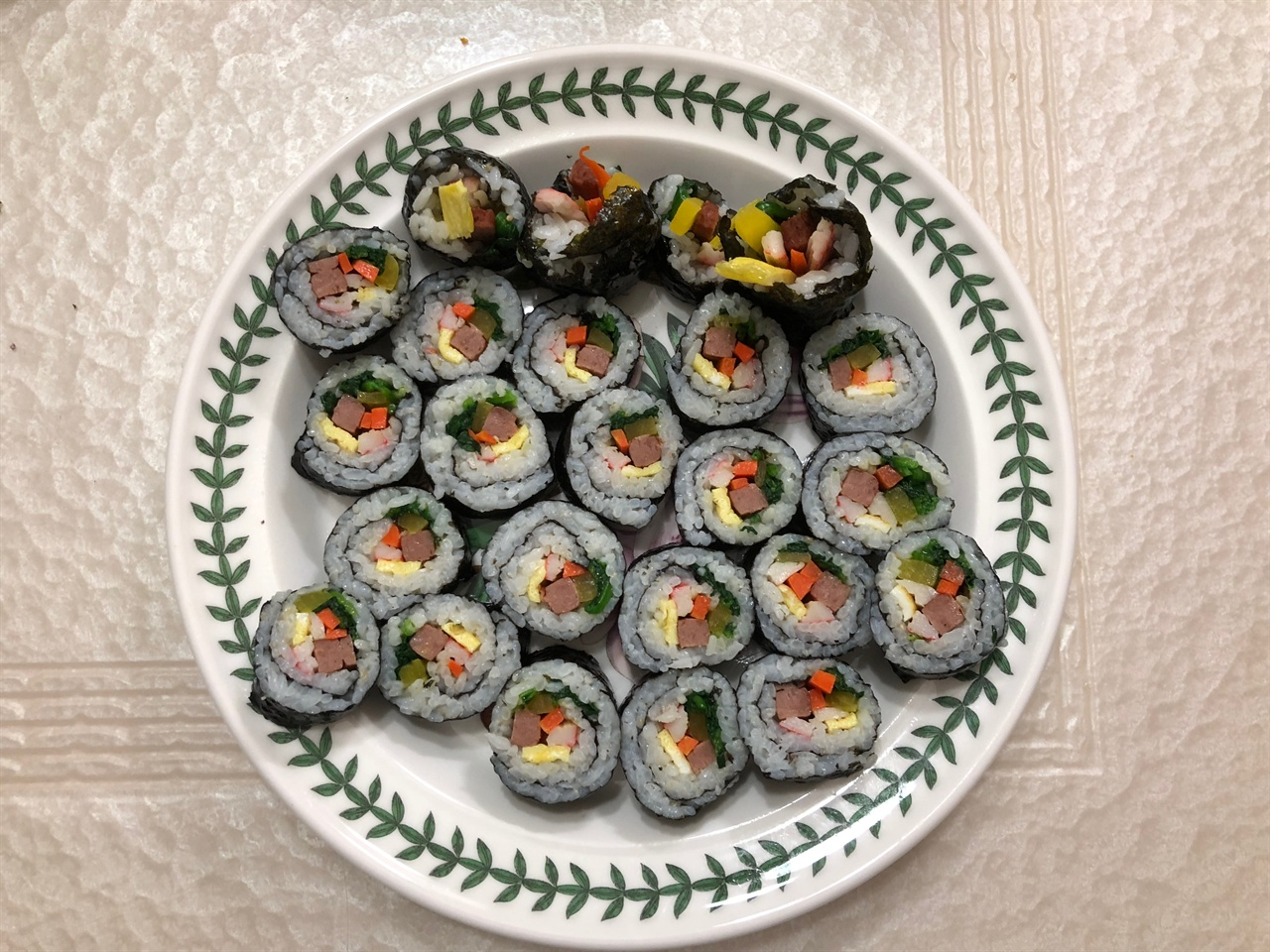 아빠의 사심 가득 김밥2 아이들에게 간식으로 싸준 김밥사진입니다