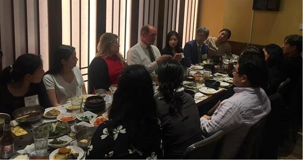 지난 9월 23일 맨하튼 한국식당에서 열린 테드 요호 의원 후원 행사. 필자도 여기에 참석했다.
