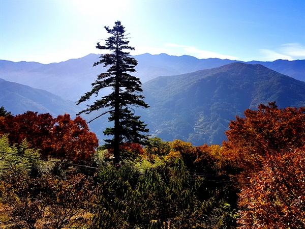 금대암에서 바라본 지리산의 장엄한 파노라마
