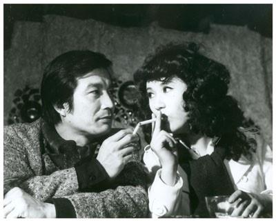 고 신성일의 대표작 <별들의 고향>(1974) 한 장면