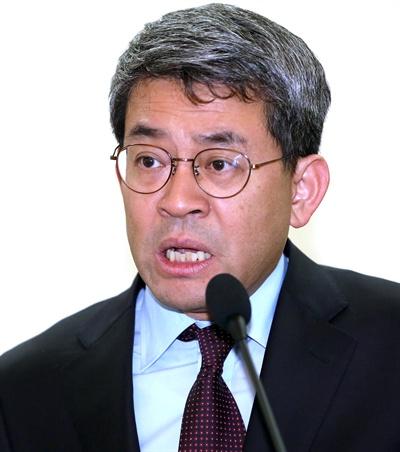 청와대가 4일 오후 북방경제협력위원회 위원장에 권구훈 현 골드만삭스 아시아 담당 선임 이코노미스트를 위촉했다고 밝혔다.