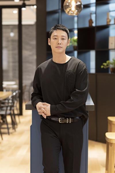 배우 김동욱 OCN < 손 the guest> 종영 인터뷰 제공 사진.