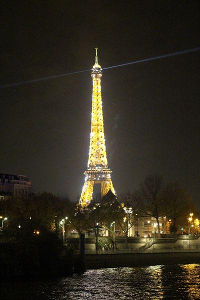 파리 에펠탑 모습