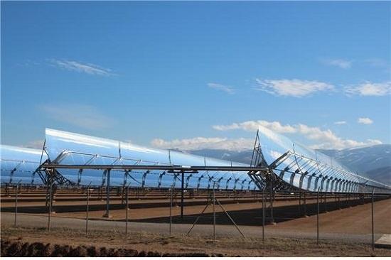 사회당 사파테로 총리의 재생에너지 육성 정책은 스페인의 태양열·풍력 전성시대를 열었으나 2008년 글로벌금융위기로 암초에 부닥쳤다. 사진은 안달루시아 지방 그라나다시 외곽의 안다솔 태양열 발전소.