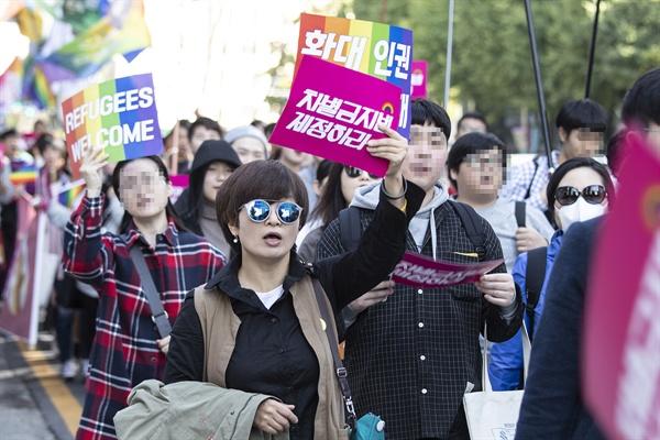 성소수자나 난민을 상대로 횡행하는 차별·혐오에 반대해 차별금지법 제정을 촉구하는 '차별금지법제정촉구 평등행진 <우리가 간다>'가 지난 달 20일 오후 서울 광화문에서 국회까지 이어졌다.