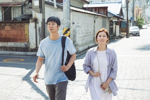 영화 <군산>의 한 장면.
