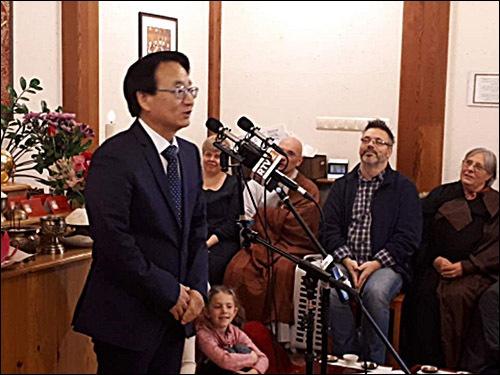 최규식 대사 주헝가리 최규식 대사의 축사 모습