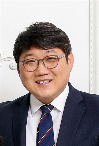15대 전국언론노동조합 오마이뉴스지부장에 당선된 최지용 조합원.