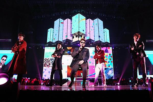 지오디 지오디가 지난달 30일 오후 서울 올림픽공원 체조경기장에서 데뷔 20주년 기념 콘서트 < GREATEST >를 열고 팬들을 만났다.