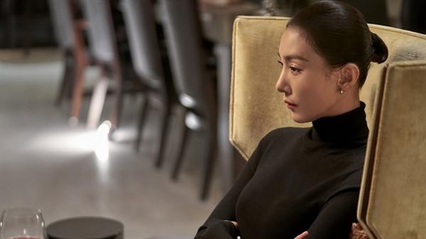 JTBC 드라마 <sky 캐슬> 의 한 장면.