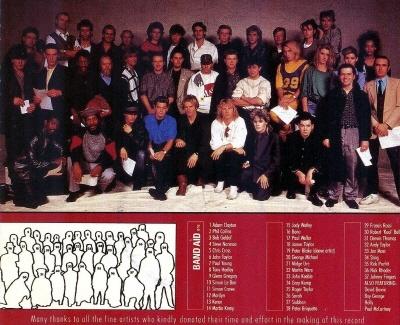 라이브 에이드의 전신이 된 밴드 에이드(Band Aid)의 'Do they know it's christmas?' 싱글 커버. 밥 겔도프와 밋지 유어가 기획했다.