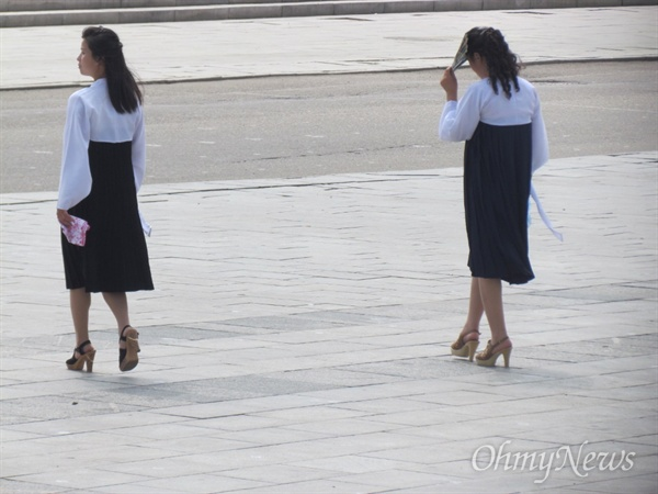 평양의 여성(2013년 8월 19일 촬영).