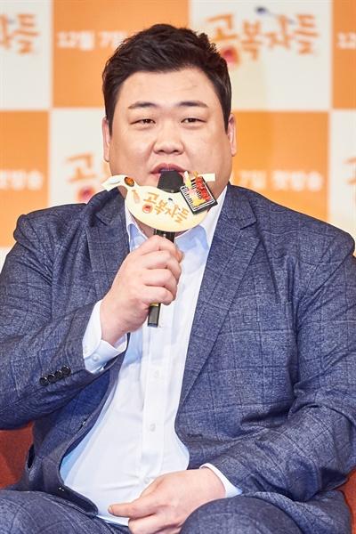 6일 오전 서울 마포구 상암MBC에서 열린 새 예능 프로그램 <공복자들> 제작발표회에서 김준현이 기자들의 질문에 답하고 있다.