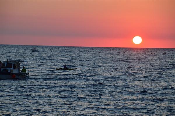 아드리아해 일몰. 탁 트인 바다에 해가 떨어지는 모습은 일대 장관이다.