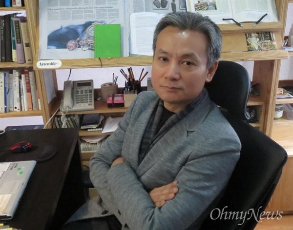 한국출판인회의가 선정하는 '2018 올해의 출판인' 본상 수상자로 김학원 휴머니스트출판그룹 대표가 뽑혔다.
