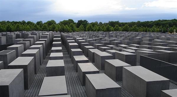 독일에 세워진'학살된 유럽 유대인을 위한 기억물.'