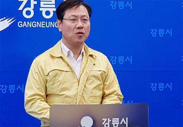 오영식 코레일 사장이 8일 오후 3시 강릉시청 프레스센터에서 경강선 KTX 선로 이탈 사고에 대한 긴급 기자회견을 하고있다.