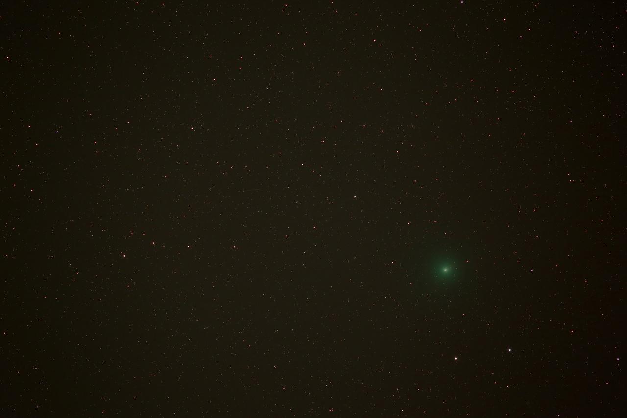 위르타넨 혜성 Astro 6D + 캐논 200mm 렌즈 30초 노출