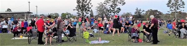 호주의 모든 동네에서는 나름대로 크리스마스 파티를 핑게로 공원에 모여 한 해를 마무리 한다.