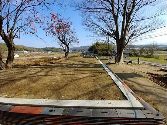 금당(대웅전)터 금당(대웅전)터에서 바라다보면 멀리 앞쪽에 기즈강이 흐른다.