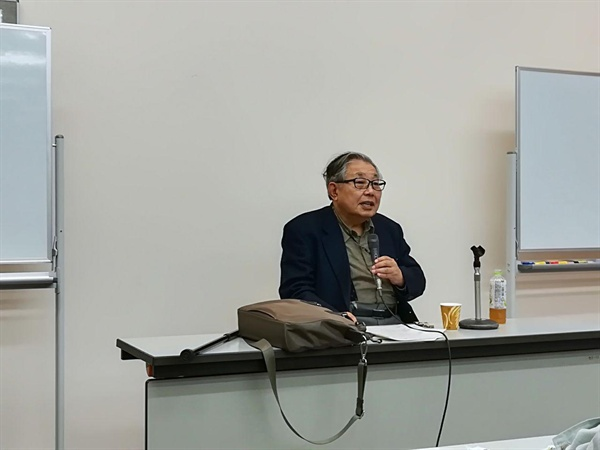 '천황 교대, 무엇이 문제인가?' 강연에 나선 모리 히데키 나고야 대학 명예교수.