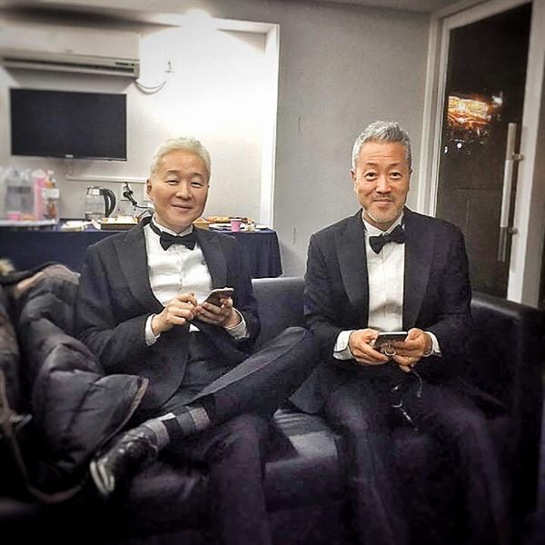 지난 1월 열린 서울가요대상에서 봄여름가을겨울은 공로상을 수상했다. 이 시상식은 전태관의 생전 마지막 공식 행사 참석이 되고 말았다.  (김종진 인스타그램)