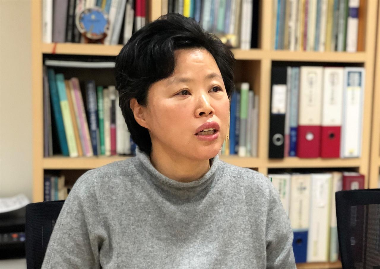 최은영 한국도시연구소 소장 한국도시연구소는 주로 가난한 사람들의 주거 문제에 관한 활동을 하고 있다