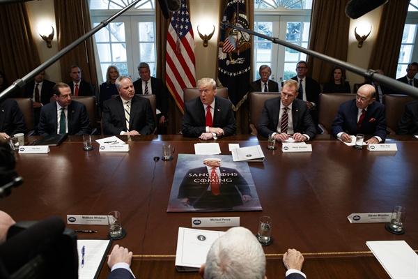 도널드 트럼프 미국 대통령이 지난 1월 2일(현지시각) 백악관에서 열린 각료회의에서 발언을 하고 있다.