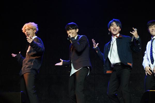 몬트 신인그룹 몬트가 데뷔 앨범 < GOING UP >(고잉업)을 발매하고 정식으로 가요계에 발을 내디뎠다. 타이틀곡은 '사귈래 말래'다. 멤버는 빛새온, 나라찬, 로다 3명으로 구성됐다.
