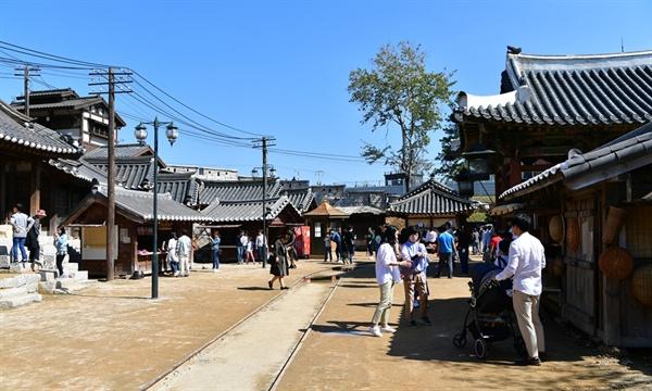 선샤인스튜디오 충남 논산시 연무읍 선샤인랜드에 자리잡은 미스터선샤인 촬영지 선샤인스튜디오