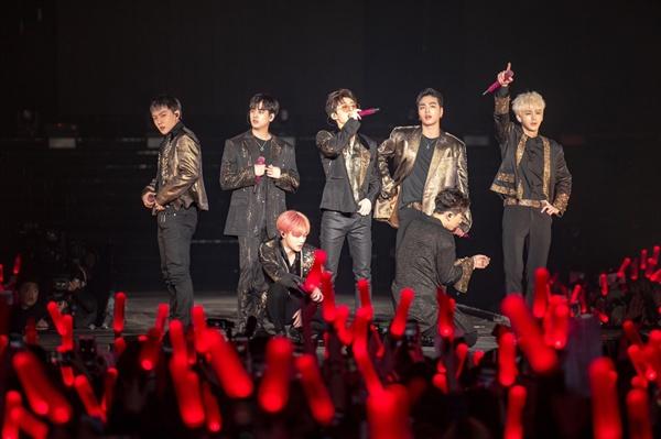 아이콘 아이콘의 서울 앙코르 콘서트 < iKON CONTINUE TOUR ENCORE IN SEOUL >가 6일 오후 서울 송파구 올림픽체조경기장에서 열렸다.