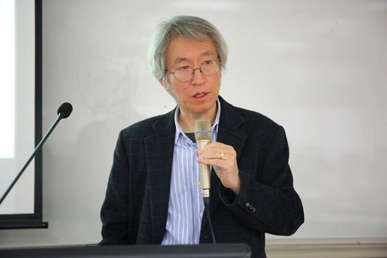 '세상을 바꾸는 힘, 탐사보도'를 주제로 강연한 김용진 <뉴스타파> 대표.