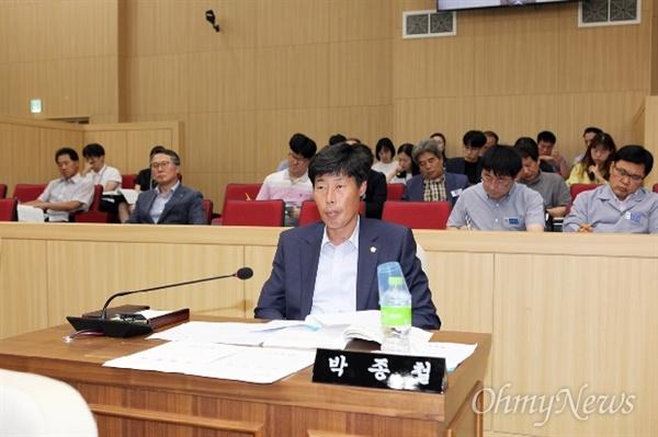 지난해 12월 해외연수 중 현지 가이드를 폭행한 혐의를 받고 있는 박종철 경북 예천군의회 의원.