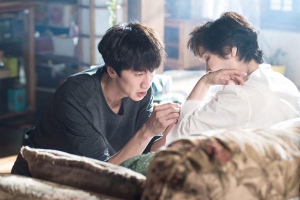 그렇지만 엄마는 지금과 같지 않을 것이다. (사진은 tvN 드라마 <디어 마이 프렌즈> 스틸컷)