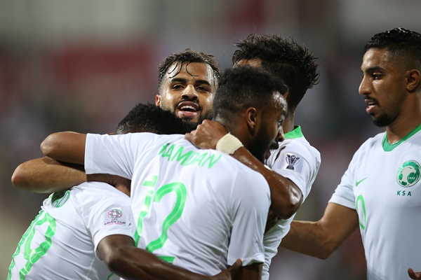 북한전에서 골을 넣고 기뻐하는 사우디아라비아 선수들