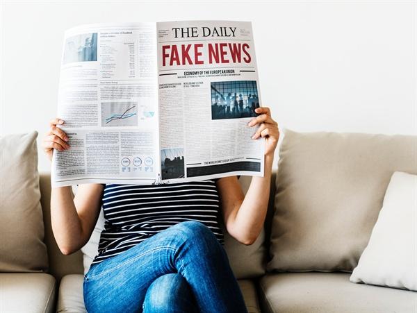 지금의 프레임이 곧 10년 후의 프레임이고, 10년 후의 프레임을 선점하기 위한 치열한 전쟁이 지금 가짜뉴스의 범람으로 표출되고 있다고 해도 과언은 아닐 것이다.