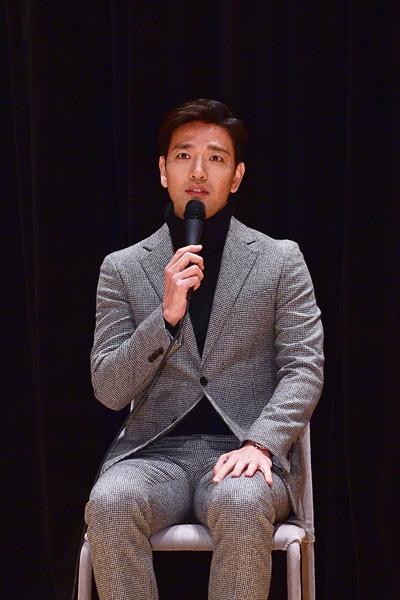 11일 경기도 일산 MBC드림센터에서 열린 MBC <신과의 약속> 기자간담회에서 배우 배수빈이 질문에 답하고 있다.