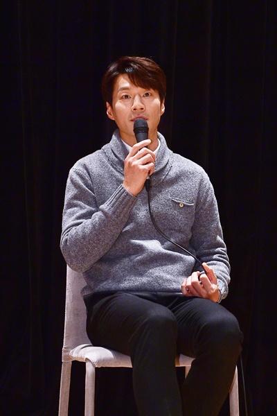 11일 경기도 일산 MBC드림센터에서 열린 MBC <신과의 약속> 기자간담회에서 배우 이천희가 질문에 답하고 있다.