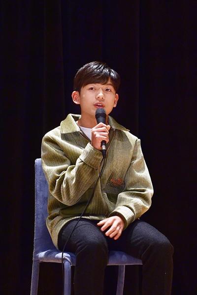 11일 경기도 일산 MBC드림센터에서 열린 MBC <신과의 약속> 기자간담회에서 배우 왕석현이 질문에 답하고 있다.