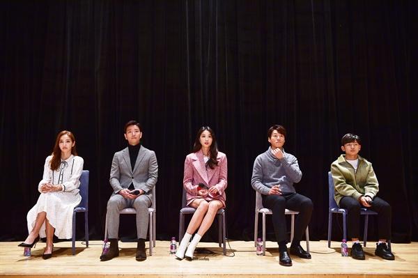 11일 경기도 일산 MBC드림센터에서 열린 MBC <신과의 약속> 기자간담회에 배우 한채영, 배수빈, 오윤아, 이천희, 왕석현이 참석했다.