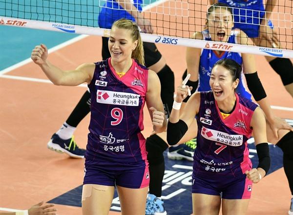 '폴란드 리그 득점 1위' 크리스티나(왼쪽)... 지난 시즌 흥국생명 대체 외국인 선수로 활약했었다.